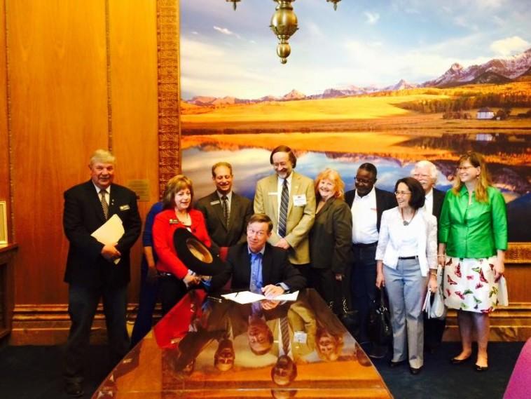 Governor Hickenlooper signs HB 15-1033 last week.